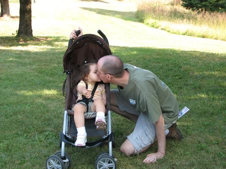 Daddy Kara kiss