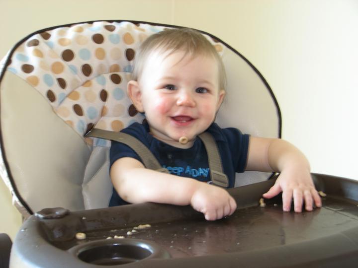 Nathan 9 months Cheerios