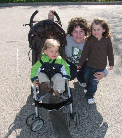 Momma kids zoo April 2010